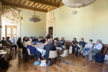 Maria-Morganti-appunti-per-l-intervento-al-tavolo-le-istituzioni-saranno-spazi-di-discussione-e-di-pensiero-2015-Prato
